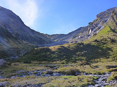 2019-01-15 18.28.39 P1020493 Simon - afternoon view of McCullaugh saddle from campsite.jpeg: 4608x3456, 6375k (2019 Jun 20 09:11)