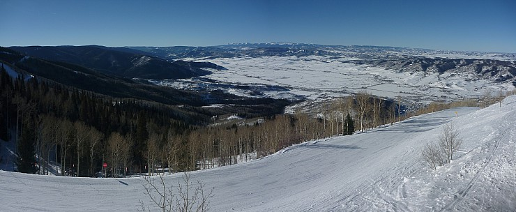 2014-01-26 09.31.02 Panorama Simon - view SW from Gondola Station_stitch.jpg: 6705x2756, 2050k (2014 Aug 30 09:36)