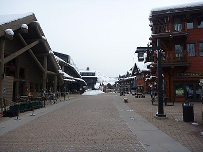 2014-02-03 08.49.48 P1000329 Simon - Aspen Highlands Village.jpeg: 4000x3000, 4679k (2014 Feb 03 15:49)