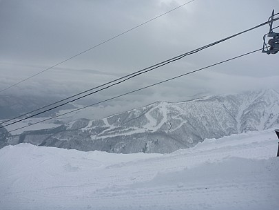 2015-02-17 10.49.01 P1010686 Simon - view to Hakuba 47 under Grat Quad.jpeg: 4000x3000, 3972k (2015 Jun 22 06:52)