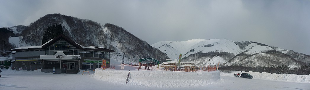 2015-02-11 09.00.00 Panorama Simon - Hakuba 47 base_stitch.jpg: 10288x2986, 4564k (2015 Jun 03 08:03)
