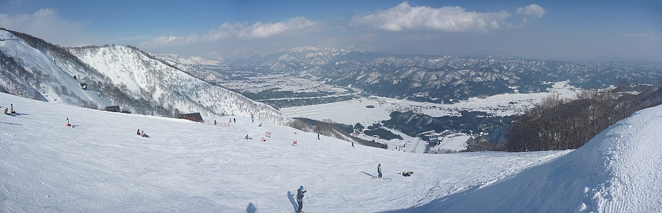 2015-02-11 13.55.00 Panorama Simon - Hakuba Valley view_stitch.jpg: 9518x3069, 5171k (2015 Jun 03 08:05)