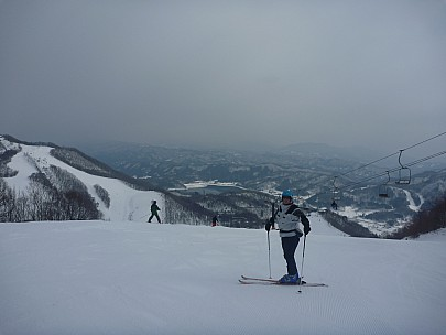 2015-02-12 10.24.41 P1010476 Simon - Jim and view from top of 1Q over Hakuba Valley.jpeg: 4000x3000, 4371k (2015 Jun 04 09:32)