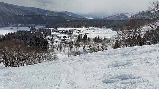 2015-02-14 12.16.58 Jim - Norikura - Hakuba Alps Hotel from Satomi Ridge Course.jpeg: 5312x2988, 6204k (2015 Jun 11 06:53)