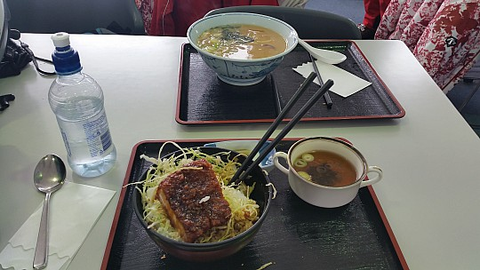 2015-02-14 13.52.56 Jim - Norikura Skifield meals.jpeg: 5312x2988, 4008k (2015 Jun 11 07:00)