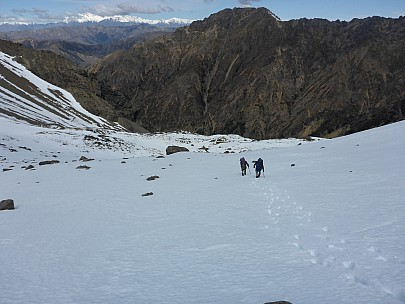 2015-10-03 14.25.34 P1000221 Simon - Brian and Philip near bottom of snow slope.jpeg: 4608x3456, 5810k (2015 Nov 07 03:36)