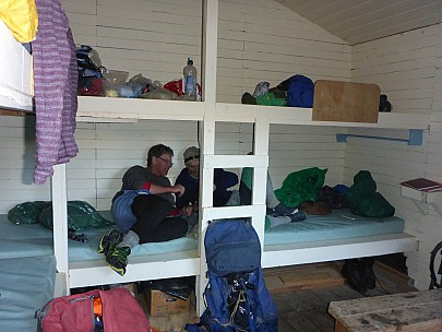 2015-10-03 18.14.40 P1000234 Simon - Philip and BRian in Gosling Hut.jpeg: 4608x3456, 6325k (2015 Nov 07 03:38)