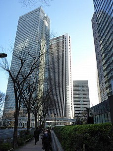 2016-03-02 08.13.10 P1000784 Simon - Shinjuku buildings.jpeg: 3456x4608, 5366k (2016 Mar 01 19:13)