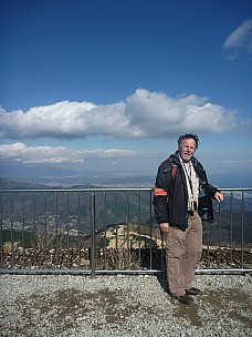 2016-03-02 14.13.57 P1020383 Adrian - Simon at top of Komagatake Ropeway.jpeg: 3000x4000, 5058k (2016 Mar 07 09:35)