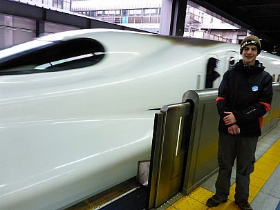 2016-03-02 17.11.20 P1000840 Simon - Adrian and Shinkansen.jpeg: 4608x3456, 6074k (2016 Mar 02 04:11)