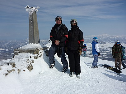 2016-02-28 11.09.50 P1000607 Simon - with Adrian on Niseko An'nupuri.jpeg: 4608x3456, 6210k (2016 Feb 27 22:09)