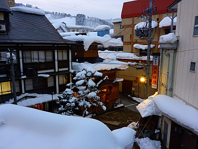 2017-01-20 06.39.04 P1010492 Simon - street view from Ryokan Jon Nobi.jpeg: 4608x3456, 5733k (2017 Aug 04 09:18)