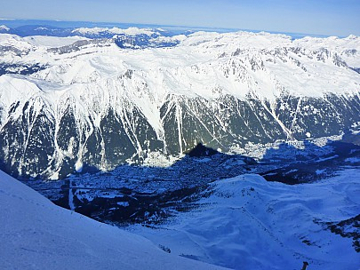 2018-01-24 11.37.31 P1010889 Simon - view from arete de l'Aiguille du Midi.jpeg: 4608x3456, 5933k (2018 Feb 18 06:49)