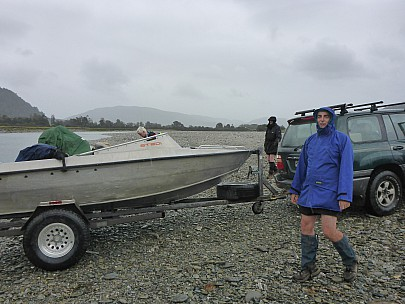 2019-01-13 10.37.24 P1020367 Simon - Jim with Ben Monk's jetboat.jpeg: 4608x3456, 6290k (2019 Jun 20 09:11)