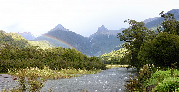 2019-01-13 18.56.42 Panorama Simon - rainbow at Tunnel Creek_stitch.jpg: 6871x3535, 21293k (2019 Jun 20 09:11)