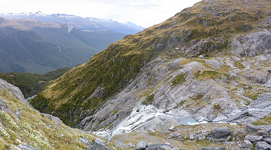 2019-01-16 19.35.29 Panorama Simon - view of our route to Murdock Creek_stitch.jpg: 5917x3289, 19815k (2019 Jun 20 09:11)