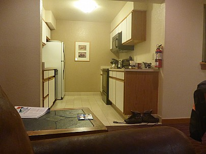 2019-02-25 20.42.55 P1020714 Simon - Kitchen in our accommodation.jpeg: 4608x3456, 6323k (2019 Feb 27 05:18)