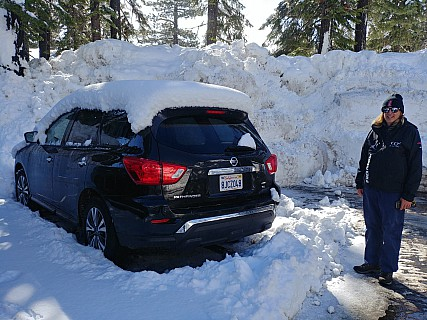 2019-02-27 09.54.52._HDR LG6 Simon - Jim and car after another nights snow.jpeg: 4160x3120, 5229k (2019 Feb 27 17:58)