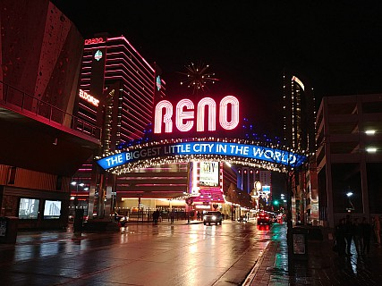 2019-03-02 22.04.01_HDR LG6 Simon - Reno the biggest little city in the world.jpeg: 4160x3120, 4525k (2019 Mar 04 06:22)