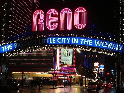 2019-03-02 22.04.21_Burst21 LG6 Simon - Reno the biggest little city in the world.jpeg: 4160x3120, 3203k (2019 Mar 04 06:25)