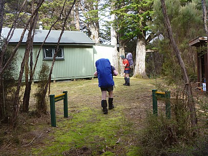 2019-11-11 18.14.21 P1000736 Jim - Simon and Brian arriving at Rakeahua Hut.jpeg: 4320x3240, 5198k (2019 Nov 11 05:14)
