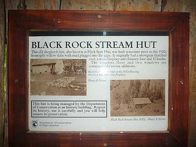 2013-11-18 15.02.35 P1050420 Simon - Black Rock Stream Hut sign.jpeg: 4000x3000, 6001k (2013 Nov 18 02:02)