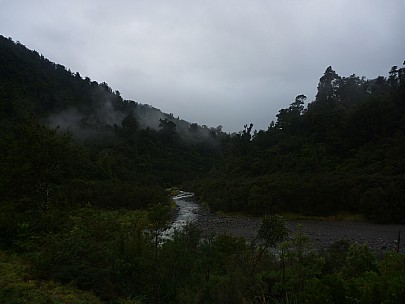 2015-07-04 08.24.33 P1010968 Simon - view of Waiohine River from Totara Flats Hut.jpeg: 4000x3000, 4193k (2015 Nov 04 05:28)