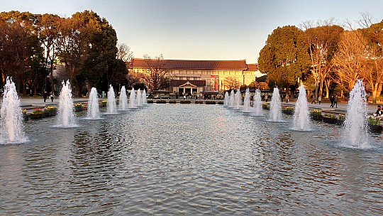2017-01-11 16.11.42 IMG_20170111_161141986_HDR Simon - Grand Fountain and Tokyo National Museum.jpeg: 4160x2340, 2387k (2017 Jan 11 08:22)