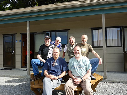 2019-01-12 17.50.38 P1020366 Simon - group photo at Fox Glacier holiday park.jpeg: 4608x3456, 5849k (2019 Jan 12 04:50)