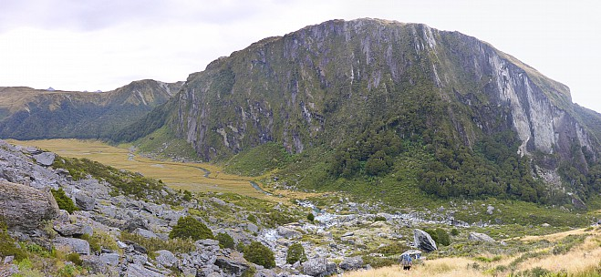 2019-01-17 14.51.50 Panorama Simon - Kea cliffs_stitch.jpg: 7363x3397, 22248k (2019 Jun 20 09:11)