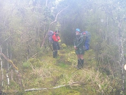 2019-11-13 08.52.08 P1000754 Jim - Brian and Simon on a rainy start to the day's tramping.jpeg: 4320x3240, 5150k (2019 Nov 12 19:52)